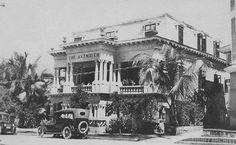 Hotel Axtmayer en Miramar, San Juan, Puerto Rico (1920) Estaba localizado en la calle Olimpo, Santurce. Los dueños fue una familia que vino a PR en los 1900 desde Austria.