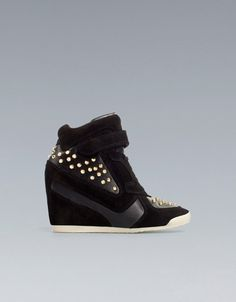 ZARA  Still want these so bad. I LOVE LOVE LOOOOVE the gold & black