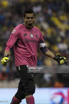 MEXICO CITY, MEXICO - APRIL 30: Oswaldo Sanchez of Santos celebrates after his team score the first goal during the Quarterfinal first leg match between America and Santos Laguna as part of the Clausura 2014 Liga MX Playoffs at Azteca Stadium on April 30, 2014 in Mexico City, Mexico.