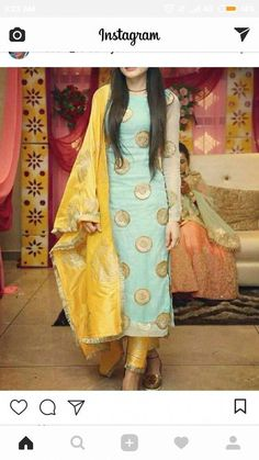Haute spot for Indian Outfits. Salwar Designs, Kurta Designs Women, Kurti Designs Party Wear, Blouse Designs, Punjabi Suits Designer Boutique, Indian Designer Suits, Boutique Suits, Designer Salwar Suits, Dress Indian Style