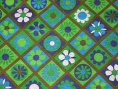 vintage fabric -greens and blues Motif Vintage, Vintage Floral Fabric, Retro Fabric, Vintage Fabrics, Vintage Patterns, Retro Vintage, Textiles, Textile Patterns, Print Patterns