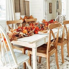 We are just head over fall for Charlotte's beautiful simple tablescape that she has created. The garland is the perfect touch to her chippy dining table. Charlotte you sure do know how to bring the simple to the wow factor! Farmhouse Style Bedding, Farmhouse Design, Rustic Farmhouse, Vintage Porch, Vintage Decor, Dining Chairs, Dining Room, Dining Table, Romantic Homes