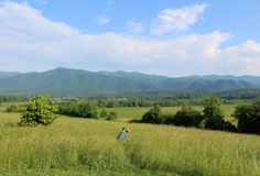 Explore the Cades Cove loop! Drive, bicycle or hike along the one-way path around Cades Cove and spot wildlife or enjoy a picnic. The Mountains Are Calling, Great Smoky Mountains, Cades Cove, Plan Your Trip, Weekend Getaways, Tennessee, Travel Destinations, National Parks, Scenery