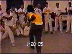 Capoeira Roda / Jogo:  Mestre Cobra Mansa (FICA) & Mestre Espiro Marrim [4m30s]