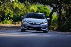 The 2016 Honda Accord's stunning redesign gives drivers everywhere confidence on the road.