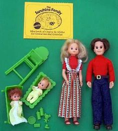 Sunshine Family Dolls I loved, loved, loved those little accessories, especially the teddy bear.
