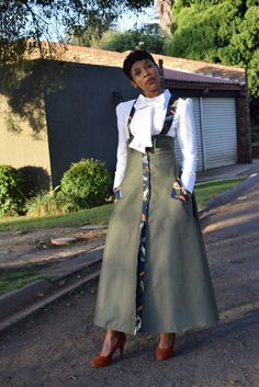 Latest African Fashion Dresses, African Dresses For Women, African Print Dresses, African Print Fashion, Africa Fashion, African Attire, African Fashion Designers, South African Traditional Dresses, Traditional Outfits