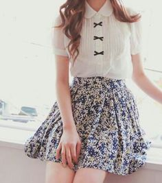 pretty bows on the blouse ♥ i dont think i would of ever come up with this outfit