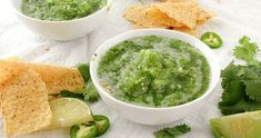 """This copycat of Abuelo's tomatillo salsa is so close, you'll think you're actually at the restaurant! Bright and fresh, this salsa is a """"must try""""! Appetizer Dips, Yummy Appetizers, Appetizer Recipes, Mexican Dishes, Mexican Food Recipes, Ethnic Recipes, Salsa Verde, Sin Gluten, Gluten Free"""