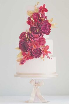 Looking for wedding cakes with the wow factor? These new designs from Cakes by Krishanthi would make perfect centrepieces at any wedding reception!