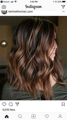 Root Beer Hair Is Trending & Brunettes Everywhere Are Fizzing With Excitement: Cinnamon Balayage Hair Color Auburn, Hair Color Highlights, Hair Color Balayage, Brown Hair Colors, Ombre Hair, Brown Highlights, Balayage Highlights, Chocolate Highlights, Fall Hair Color For Brunettes