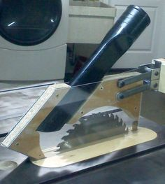 Tablesaw blade guard dust collection.