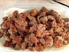 Fried chicken gizzards: I can't believe I found this pin. Me and my grandma ate this all the time Baked Chicken Livers Recipe, Chicken Gizzards, Fried Chicken Recipes, Liver Recipes, Yummy Food, Delicious Recipes, Soul Food, Dessert Recipes, Desserts