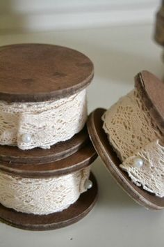 Beautiful wooden spools wound with lace. Lace Ribbon, Fabric Ribbon, Antique Lace, Vintage Lace, Vintage Cotton, Vintage Style, Lace Button, Vintage Sewing Machines, Wooden Spools