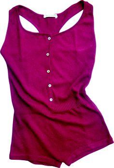 Body fuxia color. 100% cotton