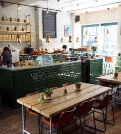 Coffee shop design ideas image detail for bakery cafe shop design Bar Deco, Deco Cafe, Coffee Shop Interior Design, Coffee Shop Design, Bakery Shop Interior, Bistro Interior, Cool Cafe, Brunch Café, Café Design