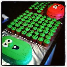 Veggie Tales Birthday!! I actually might do this and we'd have a sleepover and watch all of the movies!!!