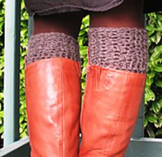 Here's a fun free pattern for a chunky knee-high sock. These are crocheted with heavy worsted to aran yarn and work up quickly in a few short hours. I've included tips on how to get a custom fit for your foot and calf. Enjoy! Please let me know if you have any questions or see any errors.