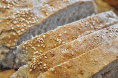 Tit har jeg skrevet om verdens bedste brød, bagt ved flammende høj temperatur i gryde. I dag skal du høre om Verdens Bedste Franskbrød.Ja altså Verdens Bedste er måske lidt flot. Jeg har jo ikke prøvesmagt