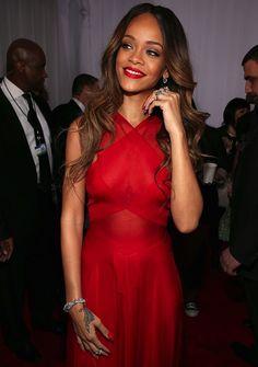 RiRi en la alfombra roja de los #Grammys