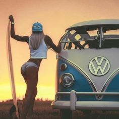 For decades, a sales technique at auto shows employs female models attired in tight dresses or miniskirts wearing uncomfortable heels, smiling and posing enchantingly. Volkswagen Minibus, Volkswagen Bus, Vw T1, Vans Girls, Surf Girls, Combi T1, Bus Girl, Vw Vintage, Vw Cars