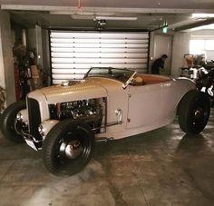 "zeeman57: ""hotrodzandpinups: ""HRP "" 1932 Ford Roadster - Hot Rod """