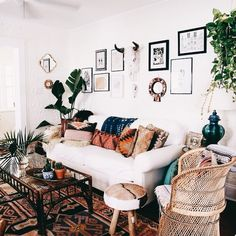 If you are looking for Bohemian Living Room Design Ideas, You come to the right place. Below are the Bohemian Living Room Design Ideas. Rustic Apartment, Apartment Living, Bohemian Apartment, Living Room Sofa, Living Room Decor, Decor Room, Living Area, Bedroom Decor, Sweet Home