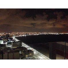 #yaesquincenayasí luce espectácular bahía de Veracruz y Boca del Río de noche foto @jin_mika  #Veracruz #bocadelrio #travel  #bestoftheday  #bestplace #mexico #lights  #beautiful #night  #trip #visit #sea #clouds