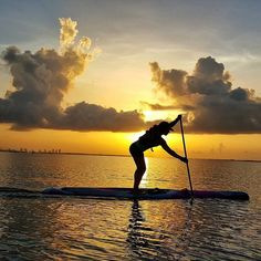 Stunning sunrise over Miami  what a lovely way to start the day! #miami #sunrise #paddleboarding