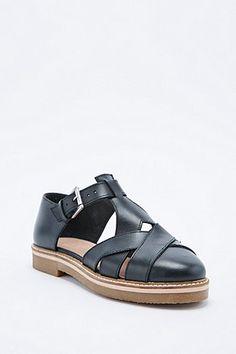 Deena & Ozzy Harvard Shoes in Black