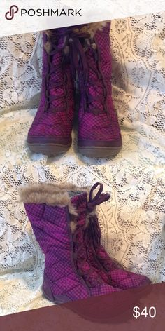 Columbia winter boots Patterned Purple winter boots - never worn Columbia Shoes Winter & Rain Boots