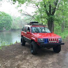 New tires and wheels! #jeep #zj #grandcherokee #lifted #32s #offset #zjnation #jeepnation #projectzj #lilred #lightbar #zjmafia #teamjeep #murica #zjjeepclub #featureme #reckless #builtnotbought #jeepbeef #jeepfreaks by lilred_zj