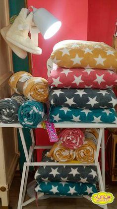Nueva colección de mantitas y cojines de sedalina #cojines #decoracion #textil