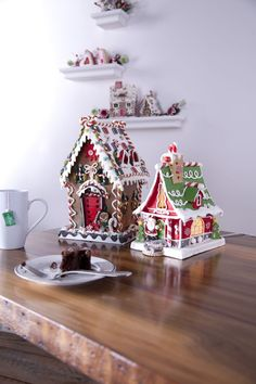 My aim this year ,gingerbread house heaven x Gingerbread House Parties, Gingerbread Decorations, Christmas Gingerbread House, Christmas Sweets, Noel Christmas, Christmas Goodies, Christmas Baking, Gingerbread Cookies, Christmas Crafts