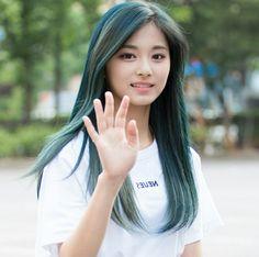 Sexy Asian Girls, Beautiful Asian Girls, Kpop Girl Groups, Kpop Girls, Girl Korea, Dahyun, Asian Hotties, Best Model, Young And Beautiful