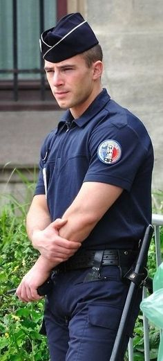Cop Uniform, Police Uniforms, Men In Uniform, Police Officer, Sexy Military Men, Hot Cops, Hey Dude, Movie Facts, Man O