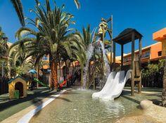 Este establecimiento se encuentra situado en Fuerteventura y ofrece un alojamiento de 4 estrellas y un jacuzzi y un baño mineral. También dispone de un gimnasio propio y otras instalaciones como una piscina al aire libre, una sauna y un spa/centro de fitness.  Este moderno establecimiento de Antigua ofrece pistas de tenis al aire libre, bar de aperitivos junto a la piscina y minigolf. Los niños lo pasarán en grande en sala de juegos o en el club infantil de la propiedad.  Las habitac...