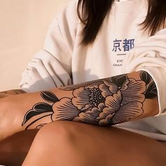 Japanese Tattoos 388928117824144335 - Gorgeous Japanese line-work flower tattoo. - Japanese Tattoos 388928117824144335 – Gorgeous Japanese line-work flower tattoo by Cal Jenx. Irezumi Tattoos, Tatuajes Irezumi, Tribal Tattoos, Tatoos, Ink Tattoos, Arm Tattoos Black, Small Tattoos, Arm Tattos, Foot Tattoos