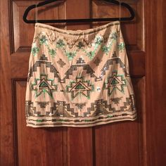Sequin mini skirt Beautiful sequin mini skirt perfect for any occasion. Its size is large but fits like a medium. Skirts Mini
