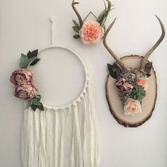 Handmade Home Decor Floral antlers. Bohemian by Gypsydaydream: Shabby Chic Wall Decor, Shabby Chic Bedrooms, Shabby Chic Kitchen, Shabby Chic Homes, Diy Wall Decor, Boho Decor, Rustic Decor, Country Decor, Floral Bedroom Decor