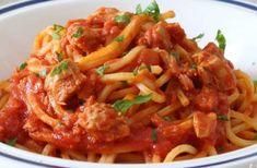 WW Tuna Sauce Spaghetti - Main Course and Recipe - WW tuna sauce spaghetti, recipe for a tasty light pasta dish with tomato tuna sauce, easy and simpl - Mini Pizza Recipes, Ww Recipes, Light Recipes, Gourmet Recipes, Healthy Recipes, Healthy Dishes, Plats Weight Watchers, Weight Watchers Chicken, Light Pasta