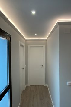 Pop Ceiling Design, Ceiling Trim, Moldings, Small Apartments, Office Decor, Woodworking Projects, House Design, Base, Living Room