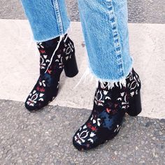 Frayed cut off jeans/funky boots