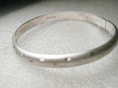 "Vintage Sterling Silver Hinged Diamond Cut Bangle Bracelet, Safety Chain, 7.25"" #FAS #Hingedbanglebracelet"