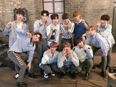 WANNA ONE [One Day # Warner] The second championship 🏆 # song Energetic Warner won gold medals 😤😤 days in syochaem I'm happy I dream every day, thanks to our Label Warner .💖 you today, grateful love ! 3 In One, One Pic, Twitter Update, Ong Seung Woo, Clap Clap, Guan Lin, Produce 101 Season 2, Lee Daehwi, Rapper