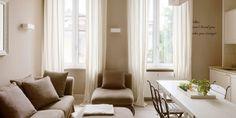 Bilocale di 43 mq: mini spazi ben sfruttati, nella casa con tanta luce Relax, Curtains, House, Home Decor, Interiors, Houses, Home, Deutsch, Blinds