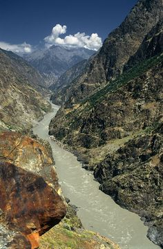 Indus Valley - Pakistan. The Indus River here, is the river Gralen, Wendya, Korrun & Mr. Agyk follow, on their way to the Himalayas and the lost kindgom of dragons, Fendellin.