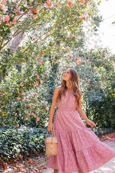 When the sunshine calls. - Gal Meets Glam : Gal Meets Glam When The Sunshine Calls - La Vie dress Modest Dresses, Cute Dresses, Beautiful Dresses, Spring Fashion Outfits, Modest Fashion, Chic Outfits, Mode Chic, Gal Meets Glam, Rebecca Taylor