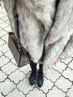 Days of December. #outfitoftheday #styleinspiration #fauxfur #michaelkors #ilpasso #boots #streetstyle #fashionbloggers
