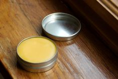 burt's bees homemade  1/2 oz. (approx. 3 tsp.) grated or roughly chopped beeswax 1 oz. (approx. 6 tsp.) coconut oil 1 1/2 tsp. lanolin 3/4 tsp. vitamin E 2 tsp. hard honey 3/4 tsp. peppermint essential oil